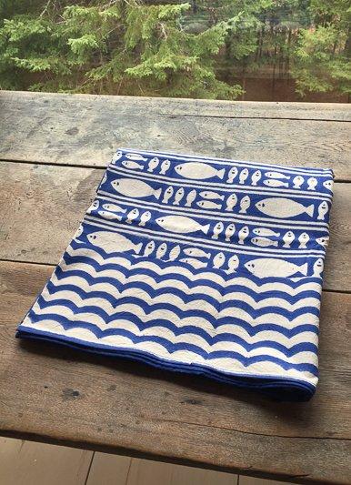 Natural Habitat Blue Fish Cotton Tablecloths