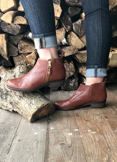 Laurevan Short Zippered Boots