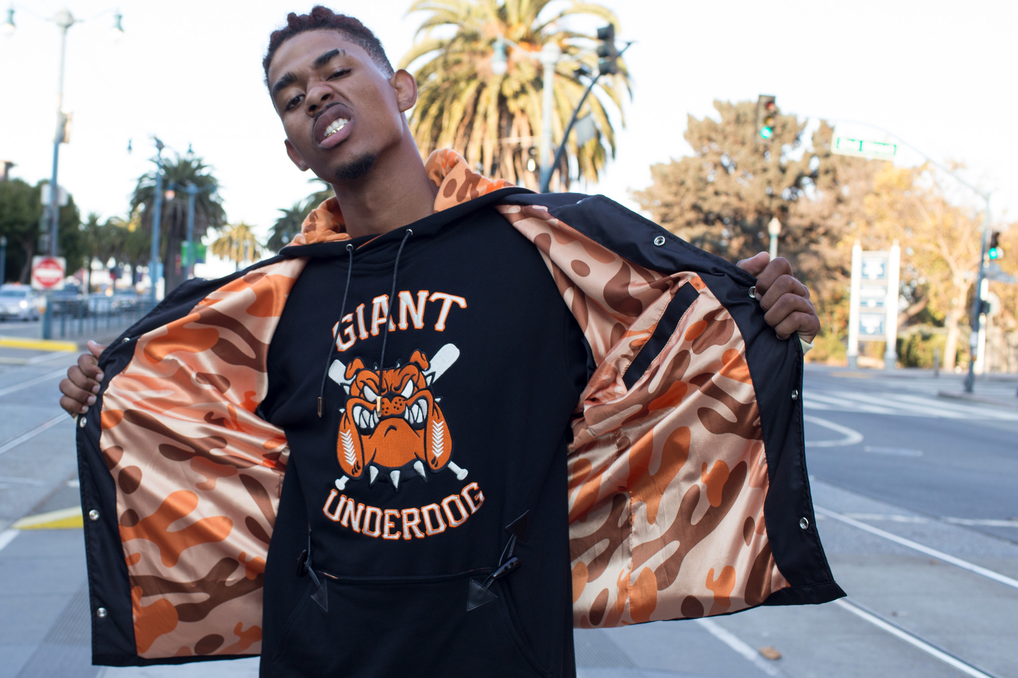 Showbanga Hidden Hype Giant Underdog Capsule
