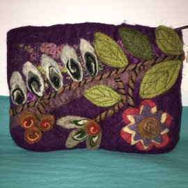 FELTED VINE WITH FLOWER POUCH