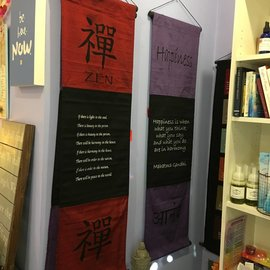LARGE COTTON BANNER ZEN RED