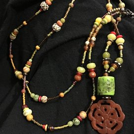 Carved Agate Lotus KATE DESIGN NECKLACE