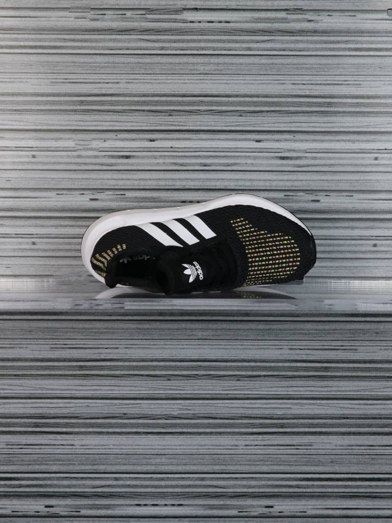 ADIDAS SWIFT RUN W CQ2025