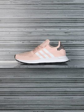 ADIDAS SWIFT RUN W B37681