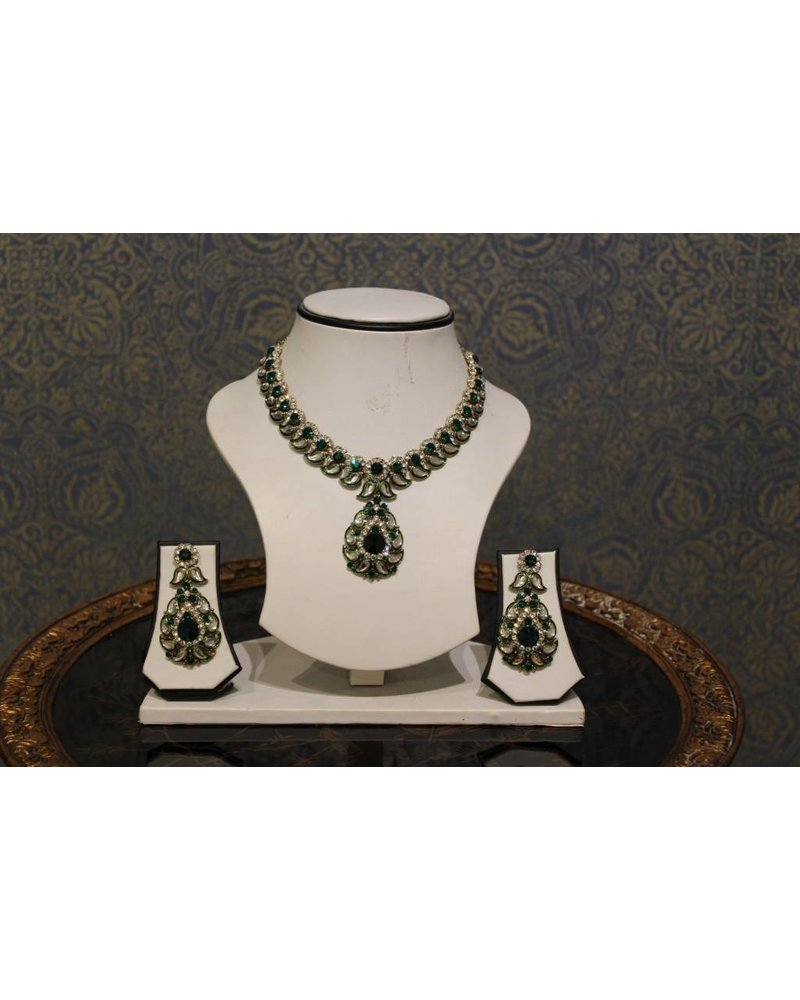 Dark Green and Silver Necklace Set