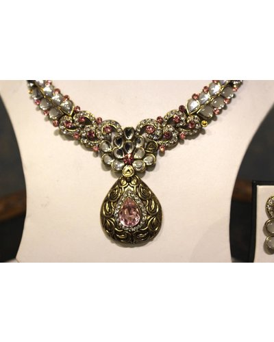 Pink and Gold Necklace Set