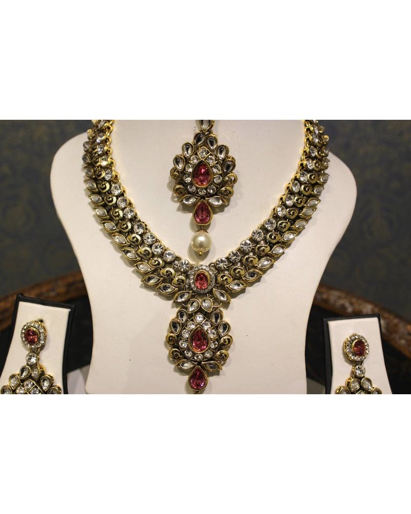 Pink and Gold Floral Necklace Set