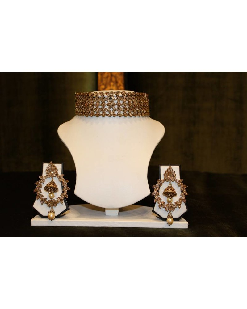 Gold Choker Set with zumka in earrings