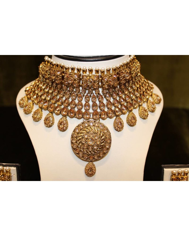 Gold Choker Set with circle and square details