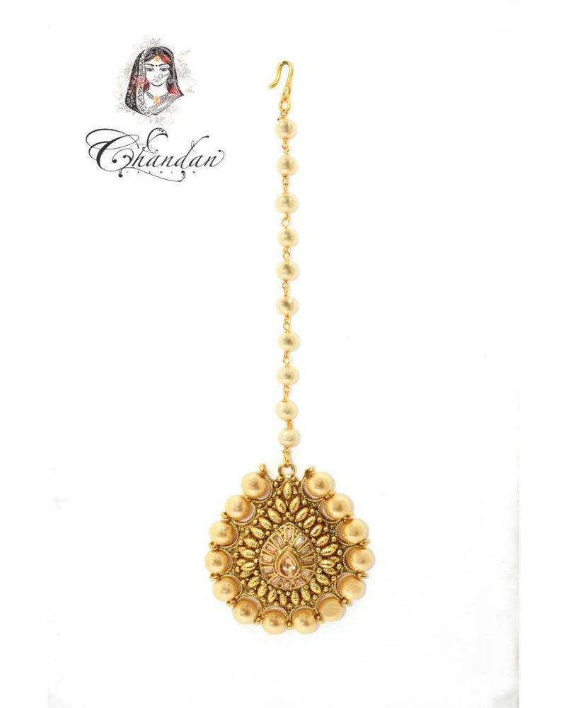 Gold Tikka w/ pearls