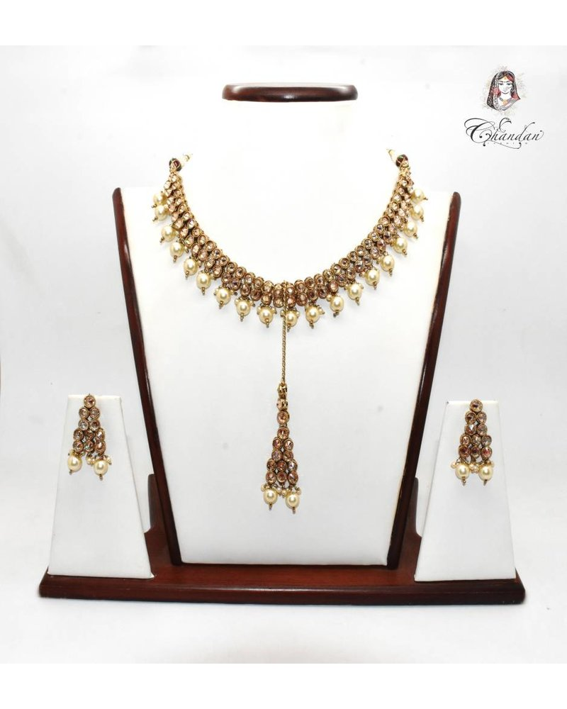Gold Necklace Set w/ White Pearls