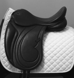 "Santa Cruz Alissa Sweemo Dressage Saddle 17"" M Black"