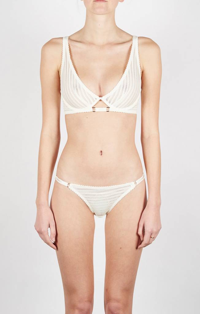 Lonely Lux brief