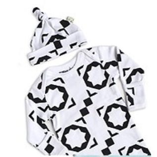 WeeUrban Organic Gown & Cap Set, Mod Bloc