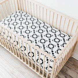 WeeUrban Organic Cotton Fitted Crib Sheet, Mod Bloc