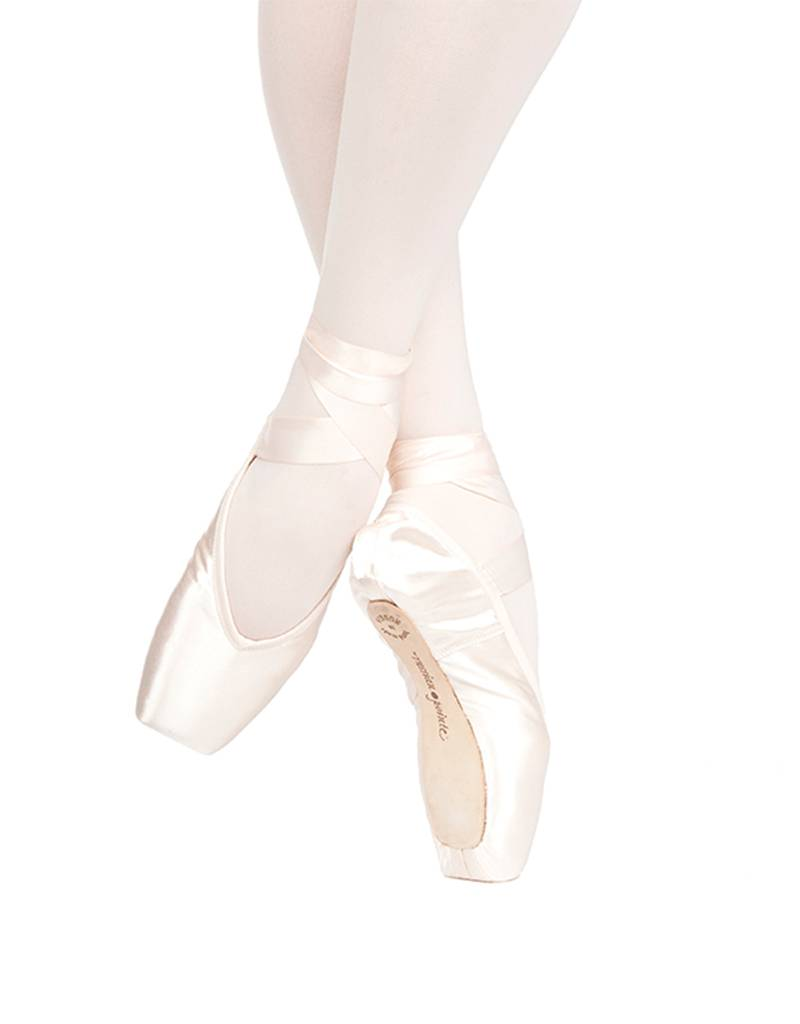 Russian Pointe Size 40: Muse V-Cut
