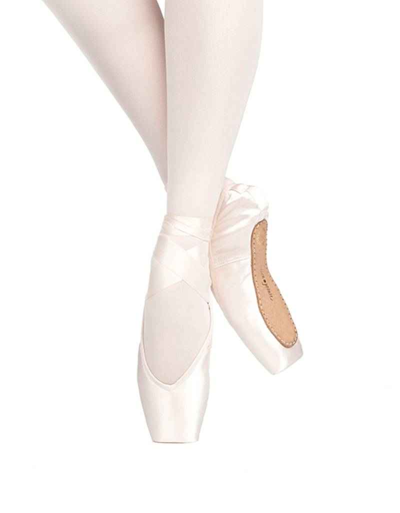 "Russian Pointe Size 38: Rubin ""Ruby"" V-Cut"