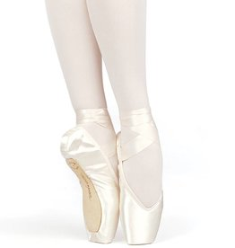 Russian Pointe BV Size 35