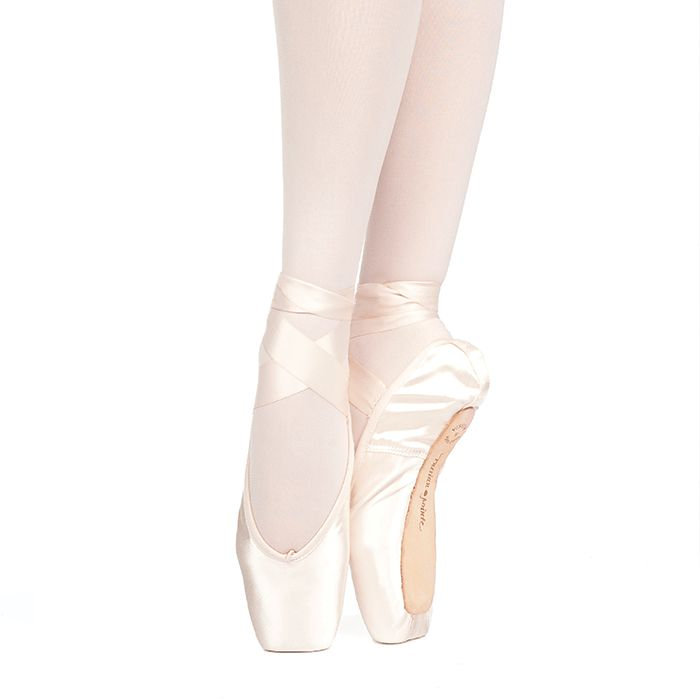 Russian Pointe Size 40: Muse U-Cut Pointe Shoes with Drawstring