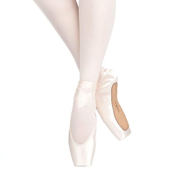 "Russian Pointe Size 37: Rubin ""Ruby"" V-Cut"