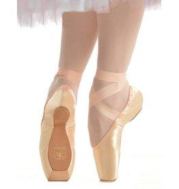 Gaynor Minden Sleek Medium Size 7.5