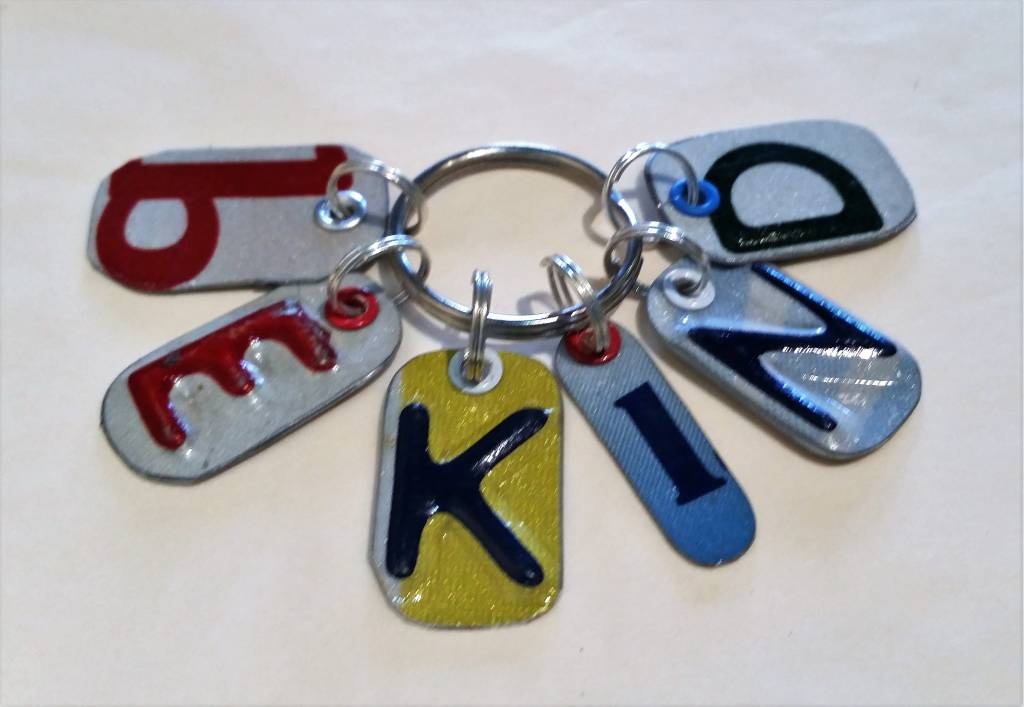 """be kind"" Key Chain"