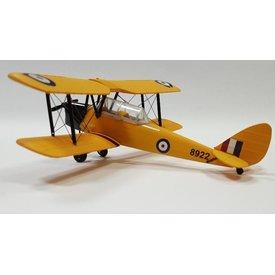 AV72 AV72 DH82 TIGER MOTH RCAF 8922 YELLOW CWH 1:72