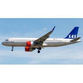 JCWINGS A320neo SAS Scandinavian LN-RGL 1;200 with stand