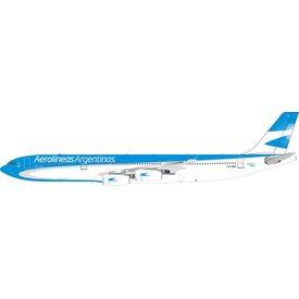 InFlight A340-300 Aerolineas Argentinas LV-CSX 1:200 With Stand