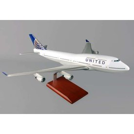 EXECUTIVE SERIES B747-400 United NC10 1:100 resin with stand