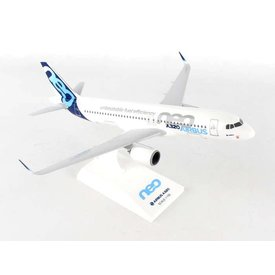 SkyMarks A320neo Airbus House 1:150 with stand (no gear)