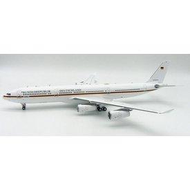 InFlight A340-300 Luftwaffe Flugbereitschaft Bundesrepublik Deutschland Germany 1:200 with stand