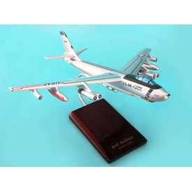 Boeing B47E Stratojet USAF SAC 1:100 with stand (CB47t)