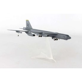 Herpa B52H 69th BS POW-MIA MT Minot AFB SD USAF 1:200 with stand
