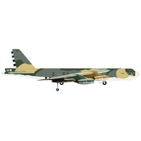 Herpa B52H Stratofortress BS 644BS, 410BW, USAF, K.I. Sawyer AFB. MI, Someplace Special camouflage 1:200 with stand