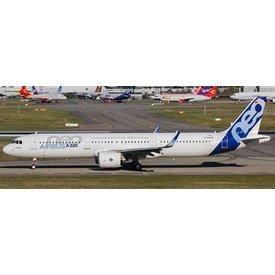 JCWINGS A321neoLR Airbus House Now Flying Longer Range D-AVZO 1:400 W/Ant