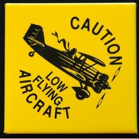 MAGNET LOW FLYING AIRCRA
