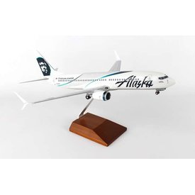 Skymarks Supreme B737-800S Alaska Employee Powered 1:100 with Wood stand + gear