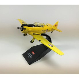 Pilot Collectibles Harvard MkIV RCAF postwar 20213 CF-UUU CWH 1:72 with stand