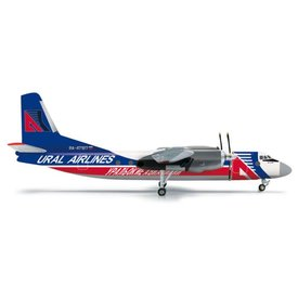 Herpa AN24B Ural Airlines RA-47187 1:200 with stand