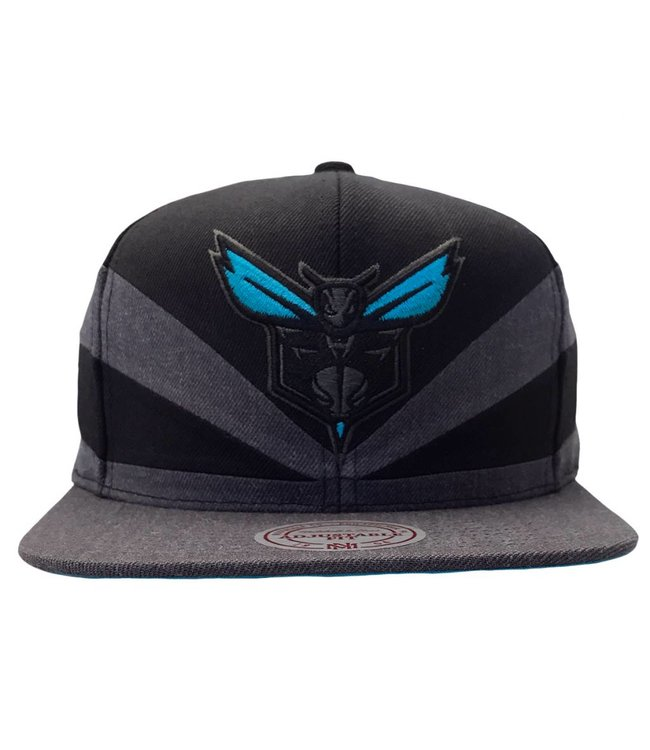 MITCHELL AND NESS Charlotte Hornets Black Slash Snapback Hat