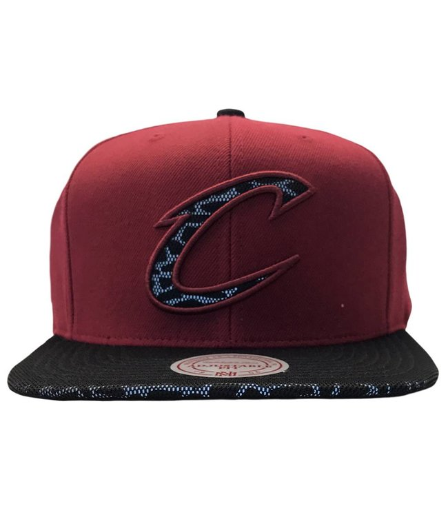 MITCHELL AND NESS Cleveland Cavaliers Cracked Reflective Snapback
