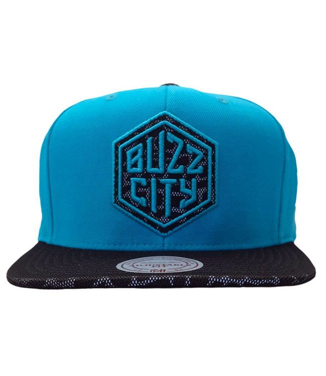 MITCHELL AND NESS Charlotte Hornets Cracked Reflective Snapback Hat