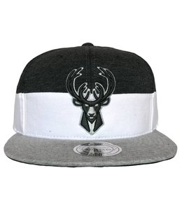 MITCHELL AND NESS BUCKS COOKIES & CREAM SNAPBACK