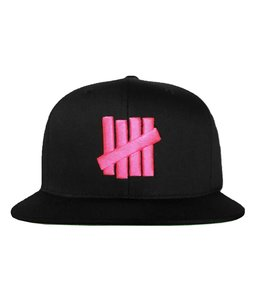 UNDEFEATED 5 STRIKES SNAPBACK CAP