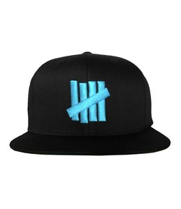 UNDEFEATED 5 STRIKES SNAPBACK