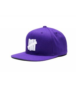 UNDEFEATED 5 STRIKE SU17 SNAPBACK