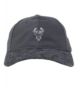 NEW ERA BUCKS ON COURT GRAPHITE METAL HAT