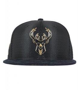 NEW ERA NEW ERA BUCKS ON COURT GOLD METAL SNAPBACK HAT