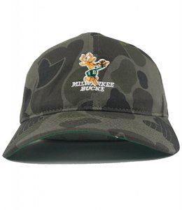 MITCHELL AND NESS BUCKS HWC CAMO SLOUCH STRAPBACK HAT